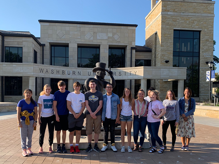 RVHS Juniors at Washburn University