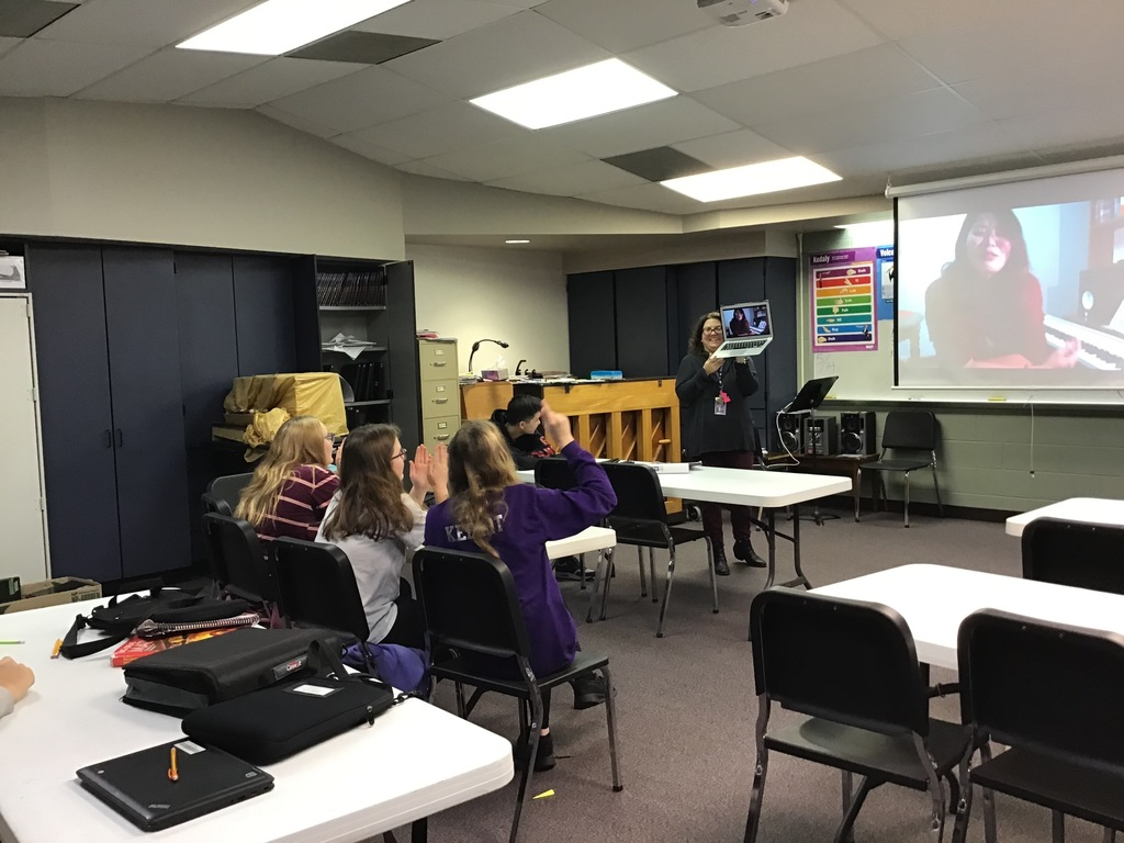 Technology breaking barriers bring a professional pianist to the middle school via Skype.